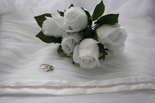 bouquet-425815_640